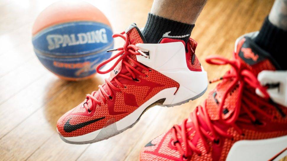 nike shoes basketball men's tournament challenge 835725