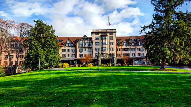 Kenilworth Inn Today As Historic Apartments Photo By Xionlion