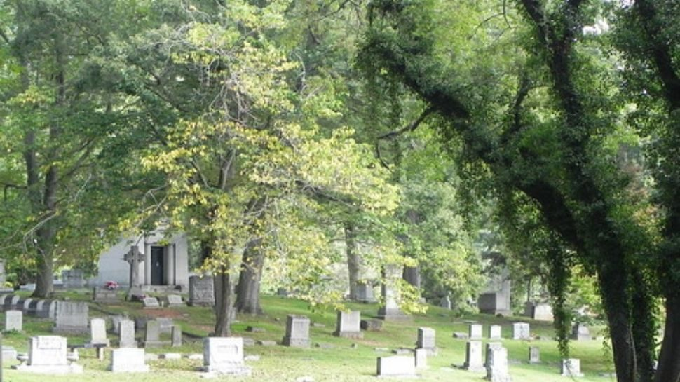 Ghost-stories-asheville-nc-riverside-cemetery